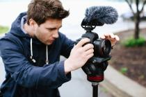 VP83F LensHopper Camera-Mount Condenser Microphone with Integrated Flash Recording