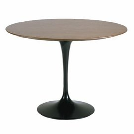 Knoll Saarinen 60-Inch Round Dining Table