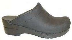 Dansko Women\'s Sonja Oiled Leather Clog,Black,39 EU / 8.5-9 M US