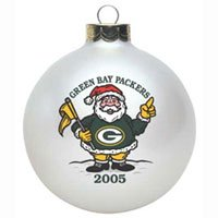 Green Bay Packers 2005 Round Santa Christmas Tree Ornament