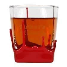 makers-mark-bourbon-whisky-dipped-red-wax-seal-classic-rocks-glass