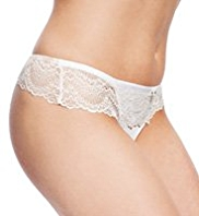 Autograph Scallop Lace Low Rise Thong