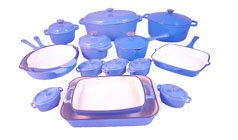 Le Chef 25-Piece Enamel Cast Iron France Blue Cookware Set. front-338502