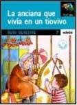 img - for La anciana que vivia en un tiovivo / The Old Lady Who Lived in a Roundout (Spanish Edition) book / textbook / text book