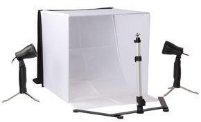 Studio fotografico portatile Zyon con fondali in quattro colori diversi, tenda, cavalletto, due faretti e morbida borsa per trasporto