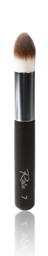 Rain Cosmetics Point of Perfection Brush 7 0.85 Ounce