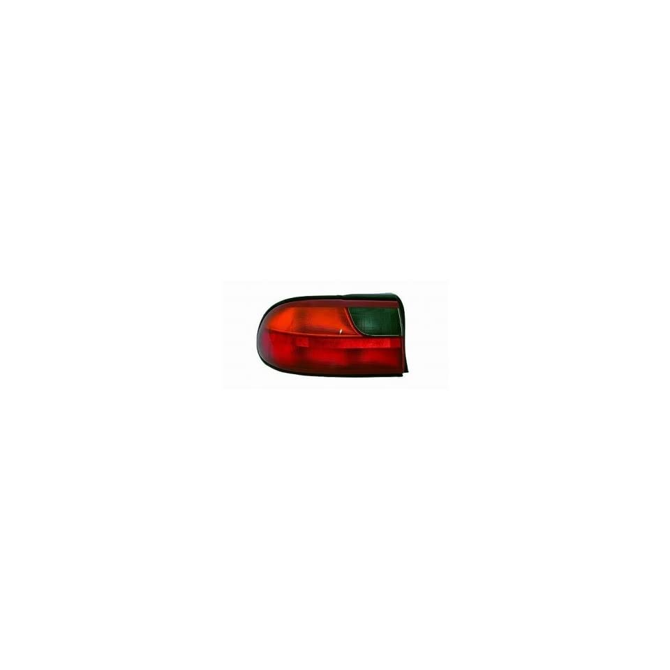 97 05 Chevrolet (Chevy) Malibu Tail Light (Driver Side) (1997 97 1998 98 1999 99 2000 00 2001 01 2002 02 2003 03 2004 04 2005 05) 15894727 Rear Lamp Left