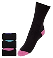 3 Pairs of Cotton Rich Freshfeet™ Socks with StayNEW™ & Silver Technology