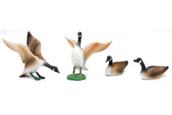 Wildlife Canada Goose Figure Set