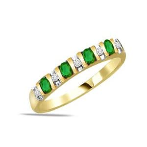 0.20ct ct Diamond & Emerald Ring