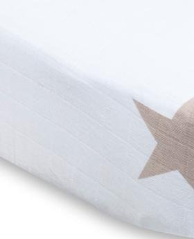 Imagen de Aden + Anais Classic Crib Sheet - Super Star Scout (Stars Fawn)