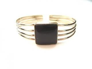 Beautiful Things for Women Ethnic Handmade Black Onyx Gemstone and Alpaca Silver Inca Design Cuff Bangle Bracelet, weighs 18 g and is 17 cm in length - but is adjustable. Made in Peru, UK seller.