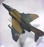 1/200 ワールド ウイングス ミュージアム2nd-13 マグダネル・ダグラス F-4 ファントムⅡ アメリカ空軍F-4EファントムII ベトナム戦争参加機(飛行状態)
