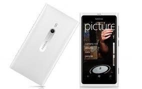 Nokia Lumia 900 16GB Unlocked GSM Phone with Windows 7.5 OS, AMOLED Touchscreen, 8MP Camera, GPS, Wi-Fi, Bluetooth, FM Radio and microSD Slot - White (Nokia Lumia 900 Unlocked compare prices)