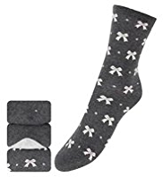 3 Pairs of Freshfeet™ Cotton Rich Bow Print Socks with Silver Technology