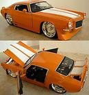 BIGTIME MUSCLE - 1971 CHEVY CAMARO 1:24 Orange with White Stripes