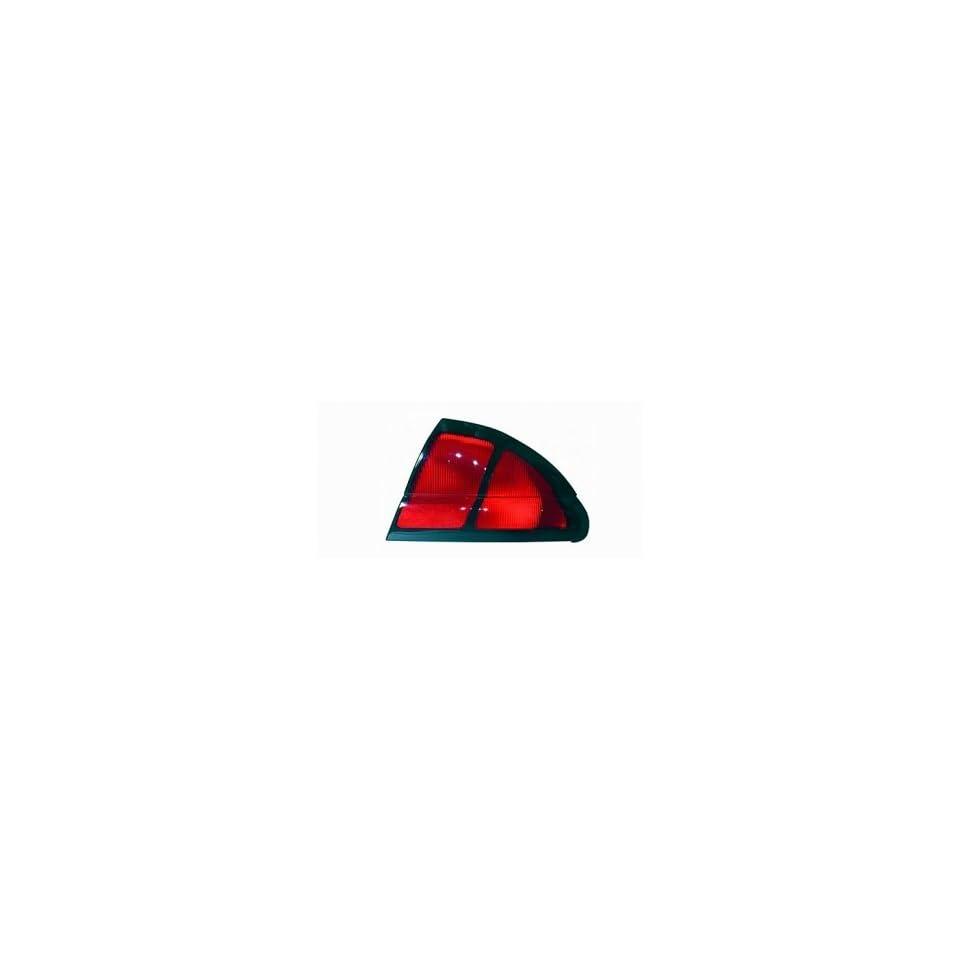 00 01 Chevrolet (Chevy) Lumina Coupe/Sedan Tail Light (Passenger Side) (2000 00 2001 01) 5976388 Rear Lamp Right