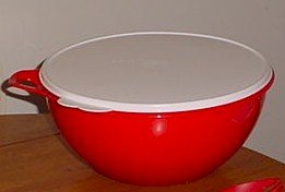 Tupperware Red Thatsa Bowl 32 Cup Mixing Bowl (Extra Large Tupperware Bowl compare prices)