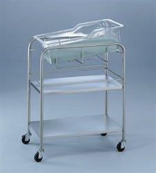 Bassinet With Two Shelves front-414879