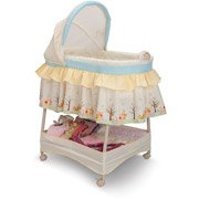Disney Nutopia Winnie Pooh Dream World Gliding Bassinet, Beige