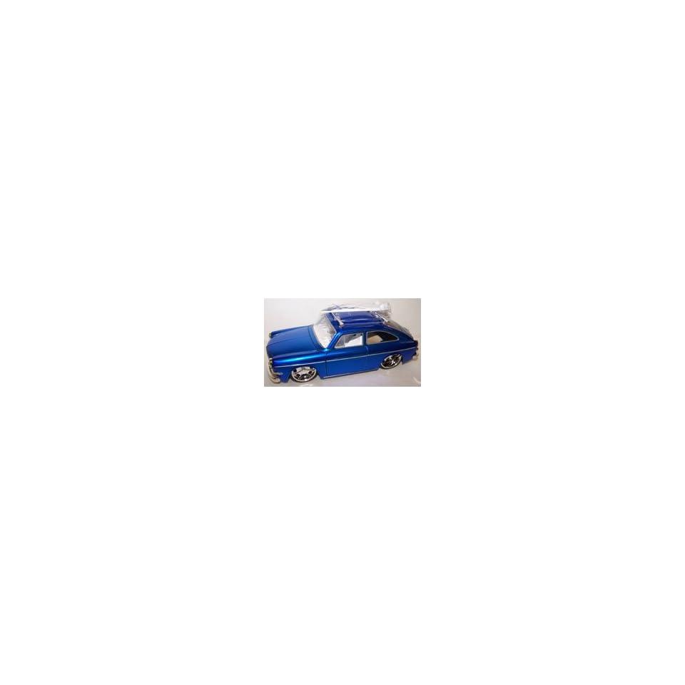 Jada Toys 1/24 Scale Diecast V dubs 1965 Volkswagen 1600 Tl (Fastback) in Color Blue