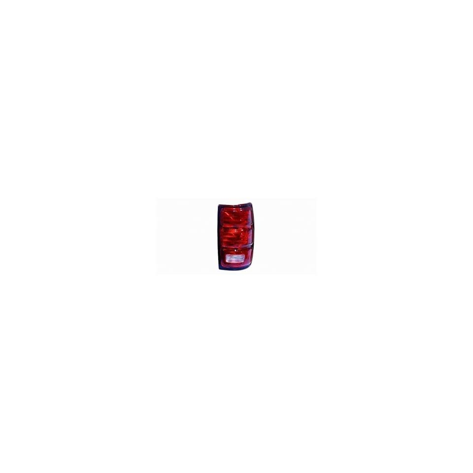 97 02 Ford Expedition Tail Light (Passenger Side) (1997 97 1998 98 1999 99 2000 00 2001 01 2002 02) F75Z 13404 AC Rear Lamp Right
