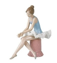 Nao by Lladro Collectible Porcelain Figurine: SITTING BALLET DANCER - 8 3/4
