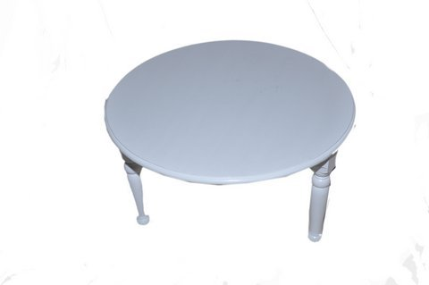 Round Wooden Coffee Table in Lacquered Finish (White)
