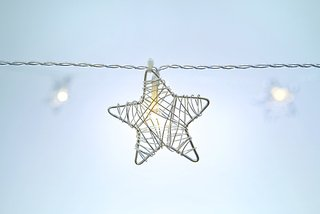 Festive Metal Star String Lights - Indoor Plug-In Lights - 30' Length - 30 Metal Stars / Warm White Leds - Christmas And Weddings