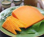 ワインはもちろん、日本酒やビールに最適♪濃厚なコクが自慢のチーズ!『ミモレット 18ヶ月熟成 約200g』