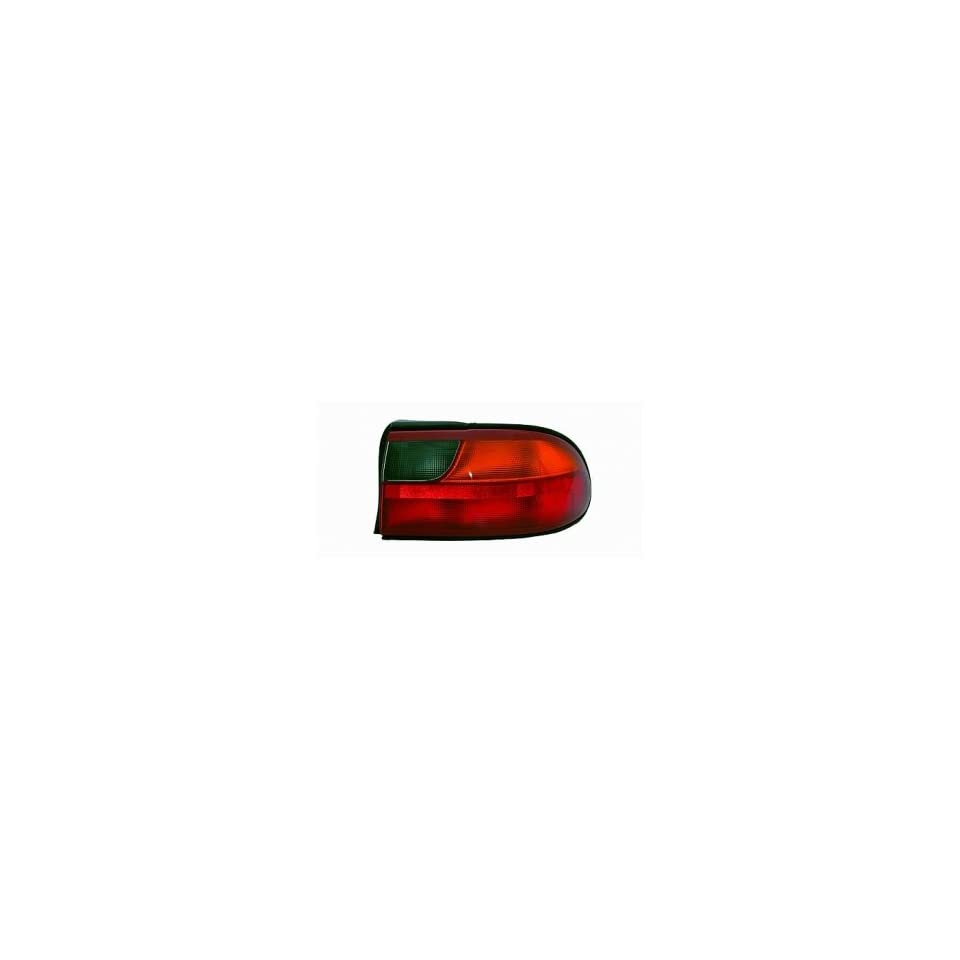 97 05 Chevrolet (Chevy) Malibu Tail Light (Passenger Side) (1997 97 1998 98 1999 99 2000 00 2001 01 2002 02 2003 03 2004 04 2005 05) 15894726 Rear Lamp Right