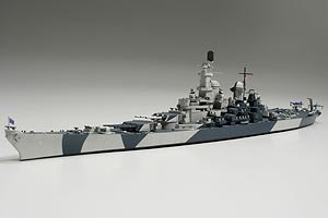 U.S Navy Battleship BB-61 Iowa - 1:700 Scale Ships - Tamiya