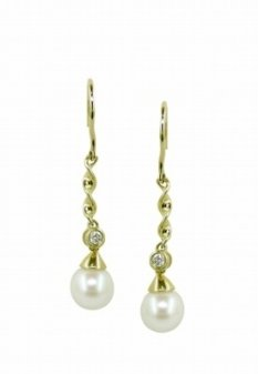 14kt 6.5mm Cultured Pearl & Diamond (.04 ctw) Earring