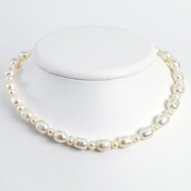 Sterling Silver White Freshwater Cultured Pearl Necklace - QH2465-18