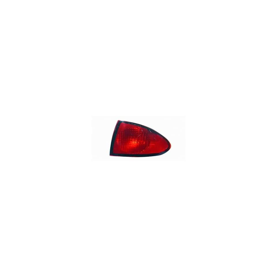 (Chevy) Cavalier Tail Light (Passenger Side) (2000 00 2001 01 2002