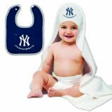 New York Yankees NY Baby Bib and Hooded Bath Towel Set - 1