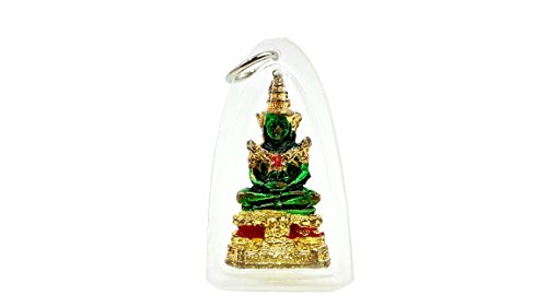 phra-kaew-morakot-emerald-buddha-wat-phra-kaew-thai-buddhist-amulet-pendant-with-amulet-necklace-and