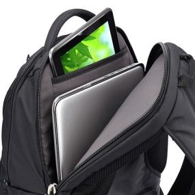 Dedicated laptop and an iPad/tablet compartments of the Case Logic BEBP-115