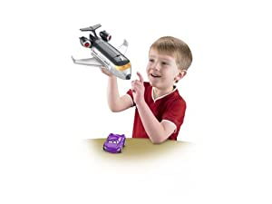 Disney W8581 - Cars 2 - Imaginext Spionagejet mit Holley Shiftwell