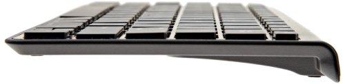 Imagen de AmazonBasics Teclado Bluetooth para el iPad de Apple, el iPhone (Negro)