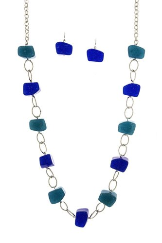 Diva & Duchess Organic Shaped Glittered Acrylic Stone Necklace (Blue)