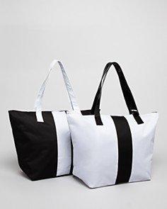 bloomingdales-tote-bag-black-beauty-ben-gwp