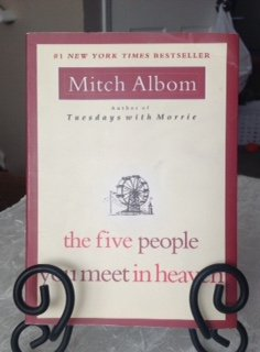 the five people you meet in heaven by mitch albom essay After more than 20 years as a journalist, mitch albom's success on the bookshelves began as a serendipitous fluke when a chance encounter rekindled his relationship with an old professor and famously led to his memoir tuesdays with morrienext came two novels, the five people you meet in heaven and for one more day, each with movie.