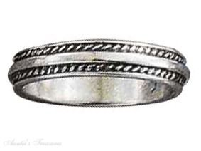 Sterling Silver Coin Edge Center Band Ring Size 5