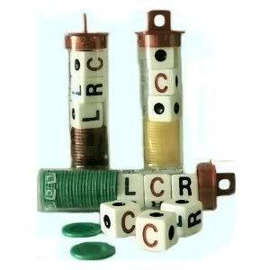 Imagen de Juguete / Juego de George & Co. Juegos 3 juegos de Lcr! (1,6 onzas) con las direcciones y virutas (para niños de 3 años en adelante)