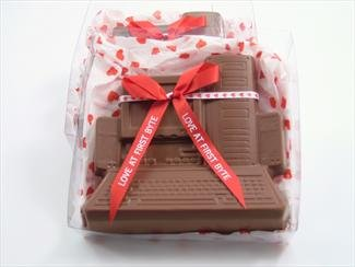 Solid Milk Chocolate Love At First Byte Unique Novelty Gourmet Candy Gift Boxed Computer For Adults , Children & Lovers