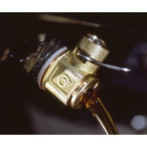 Fumoto F-106 Engine Oil Drain Valve