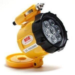 シガーソケットLEDライト(強力磁石付)【夜間の車修理・パンク修理などに】