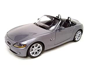 BMW Z4 CONVERTIBLE GREY 1:18 SCALE DIECAST MODEL
