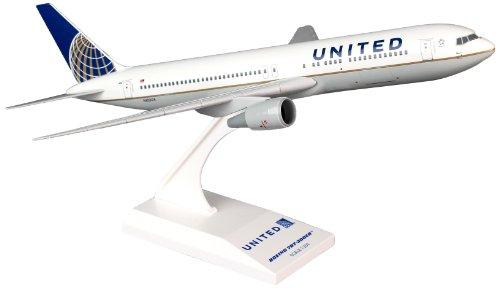 skymarks-skr726-united-airlines-boeing-767-300-1200-snap-fit-model